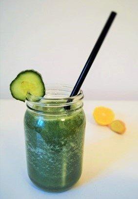 zeleninové smoothie s kourkou a zázvorem
