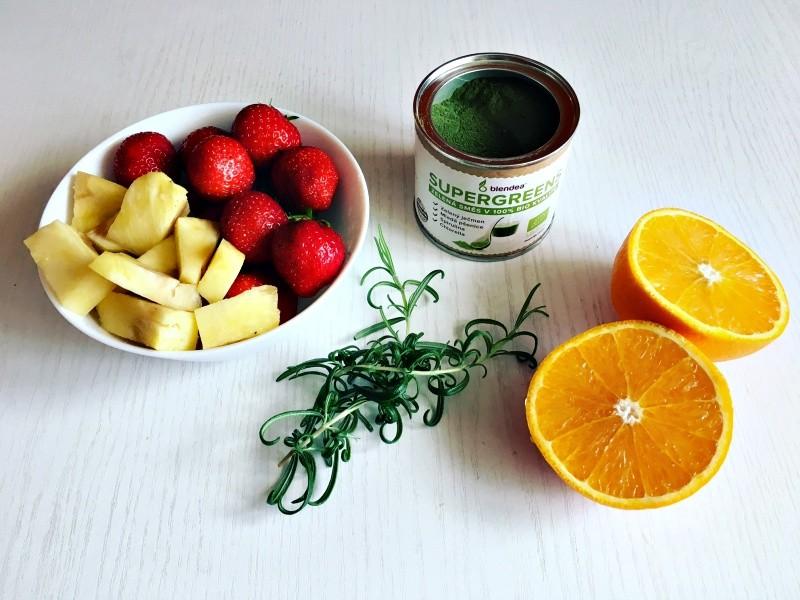 jahodovo-nanasové smoothie