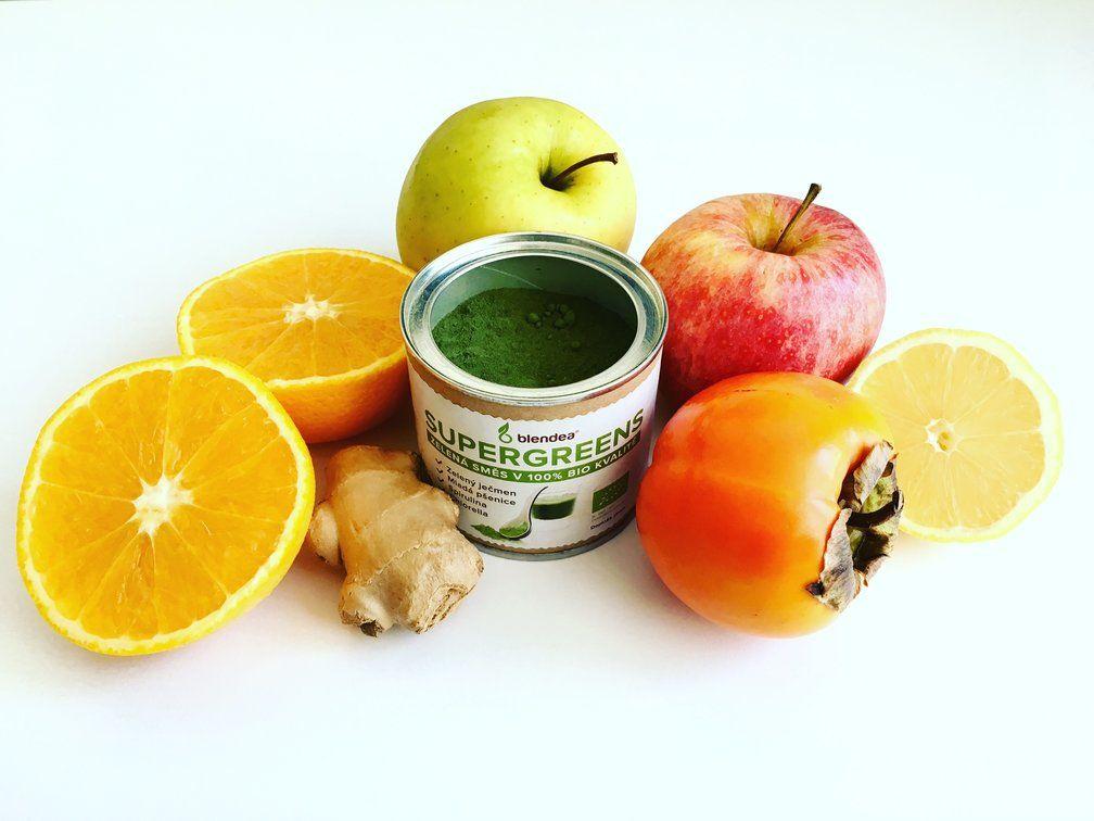 smoothie z kaki s jablky , zázvorem a citronem