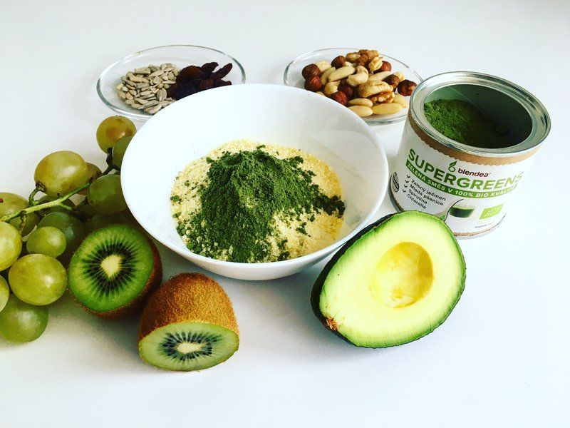 Jáhlova smoothie bowl s Blendeou SUPERGREENS