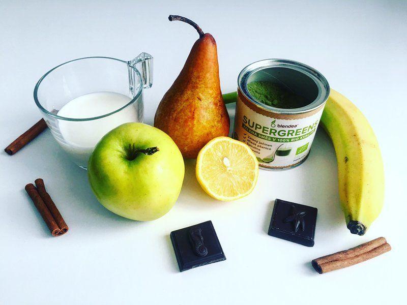 ovoce a bezlaktózové mléko