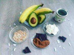 Avokado, banan, zerve, caro, vlocky