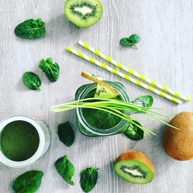 zelené smoothie z kiwi a špenátu