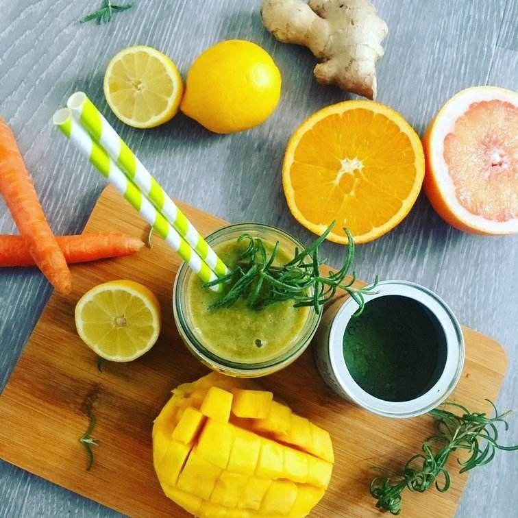 Mango-citrusove smoothie s Blendeou
