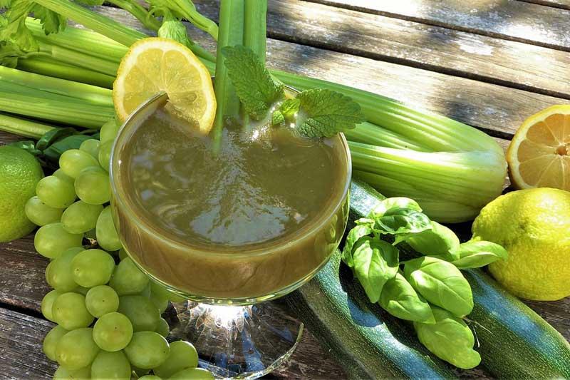 Zelené smoothie, detoxikační potraviny