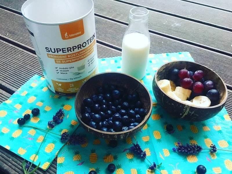 borůvková smoothie bowl recept