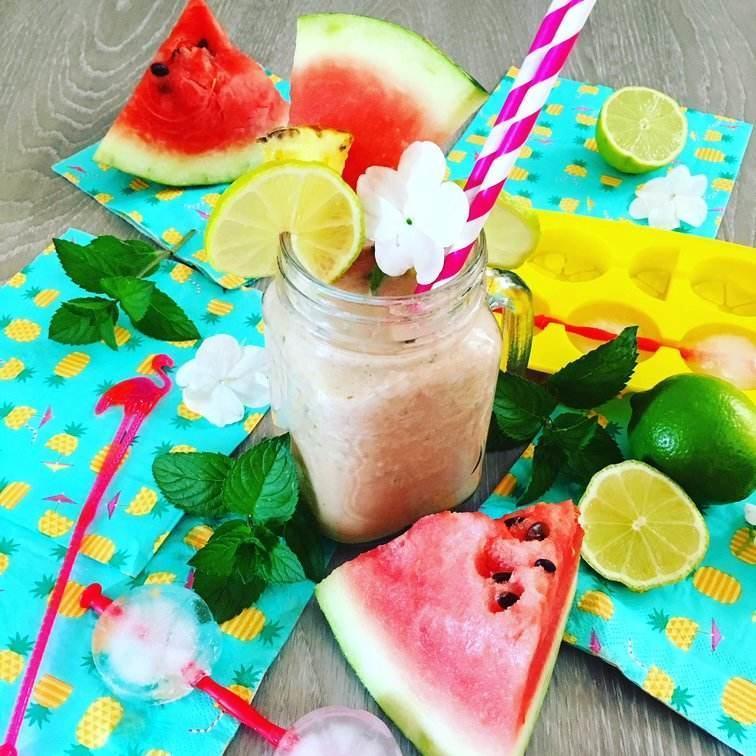 melounové smoothie se superproteinem