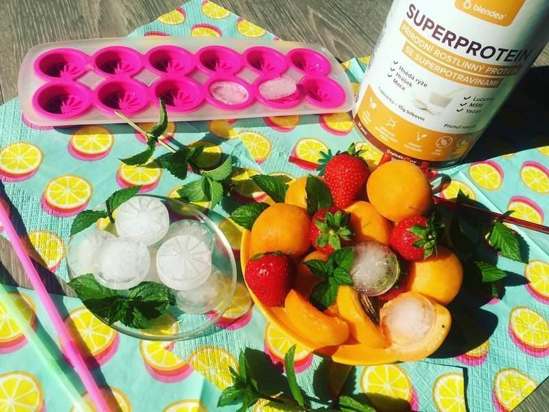 namražené meruňkové smoothie