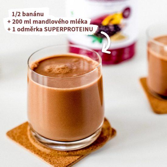 Rychlá příprava SUPERPROTEINU s banánem a rostlinným mlékem
