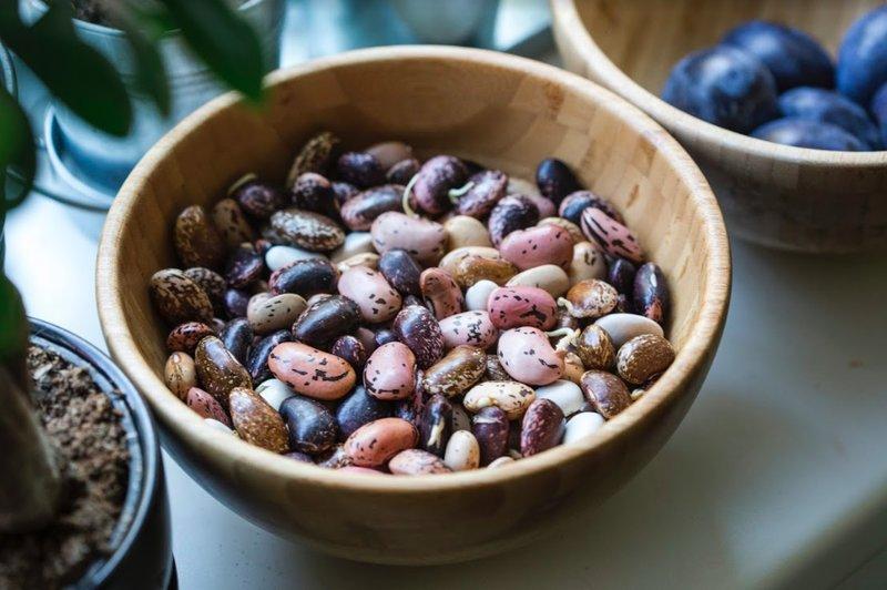fazole v misce