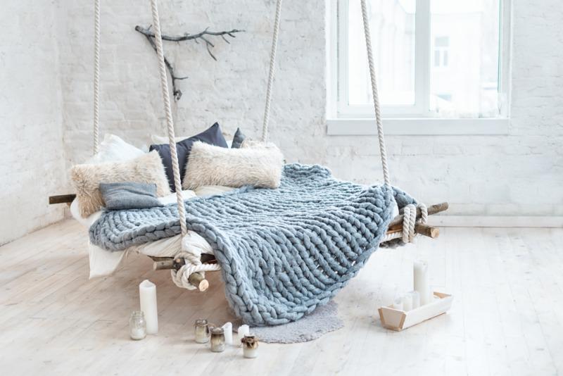 závěsná postel nevhodná pro spánek