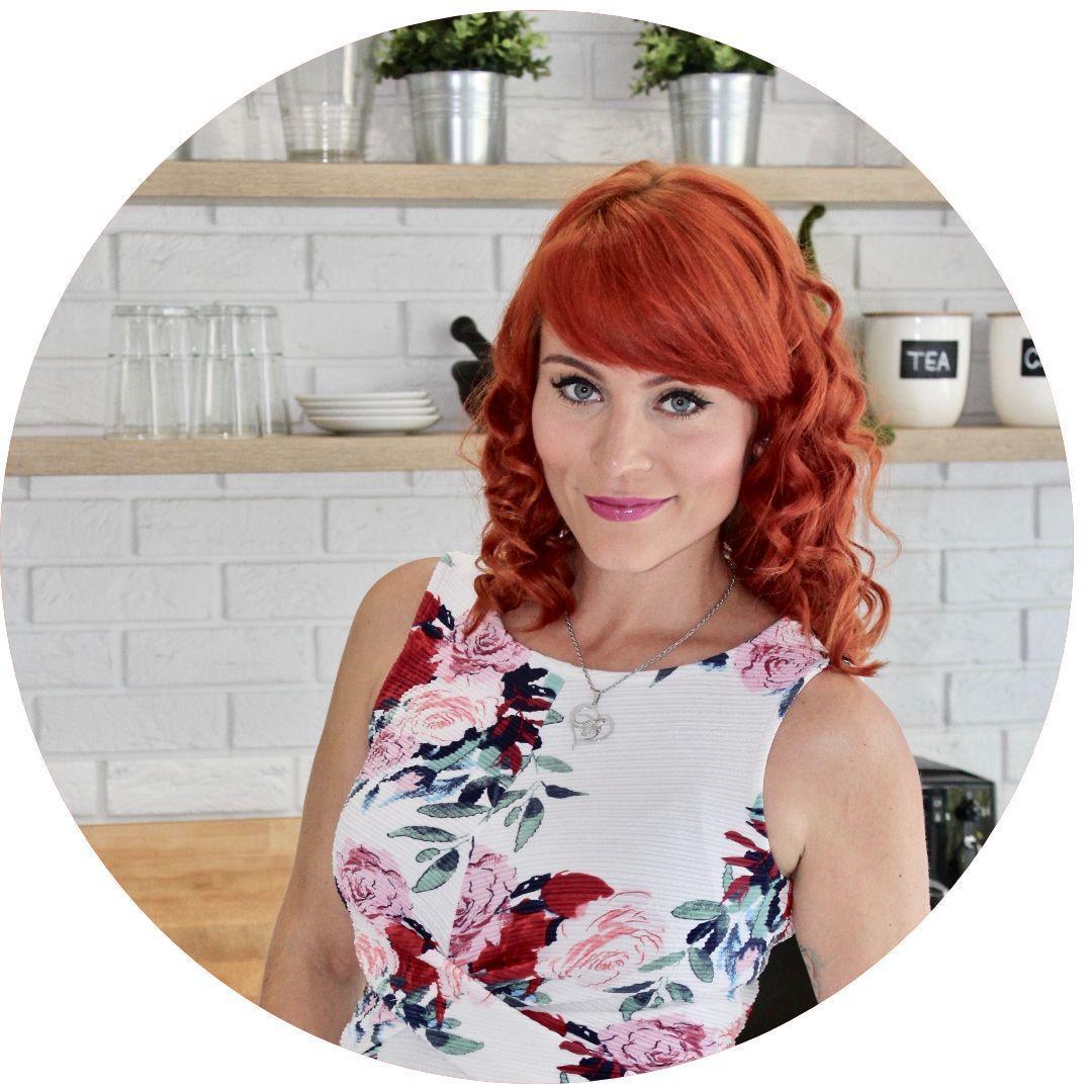 Eva Tóth - Ginger Exe