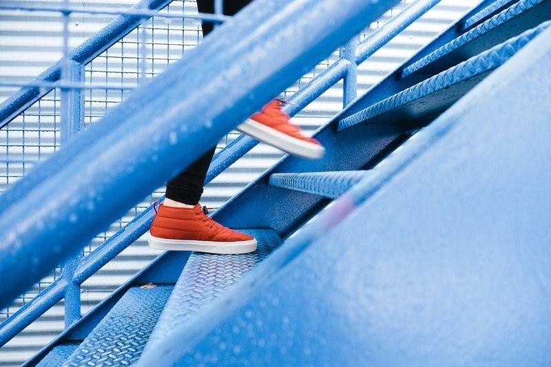 běh do schodů pro hubnutí