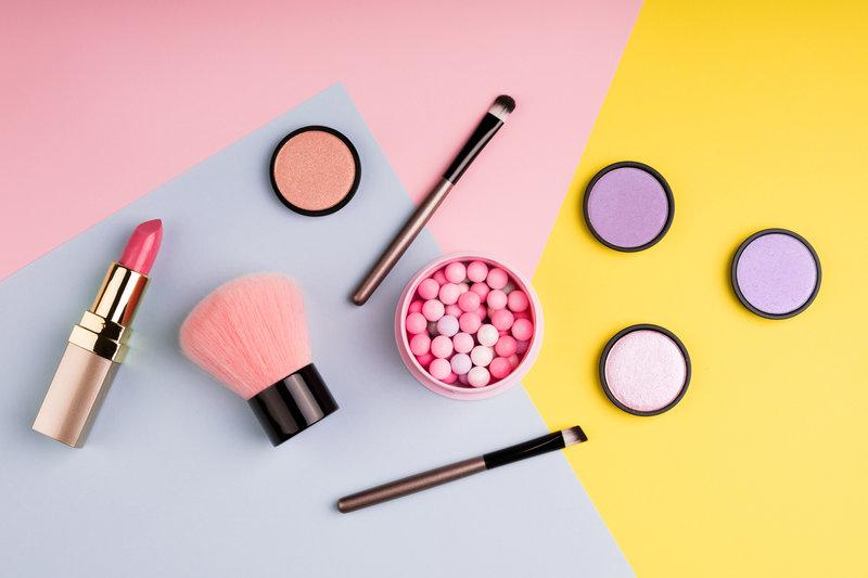 levná kosmetika s těžkými kovy