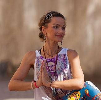 Šárka Simonidesová, certifikovaná lektorka Hormonální jógové terapie