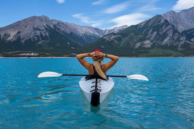 žena loď moře odpočinek dovolená