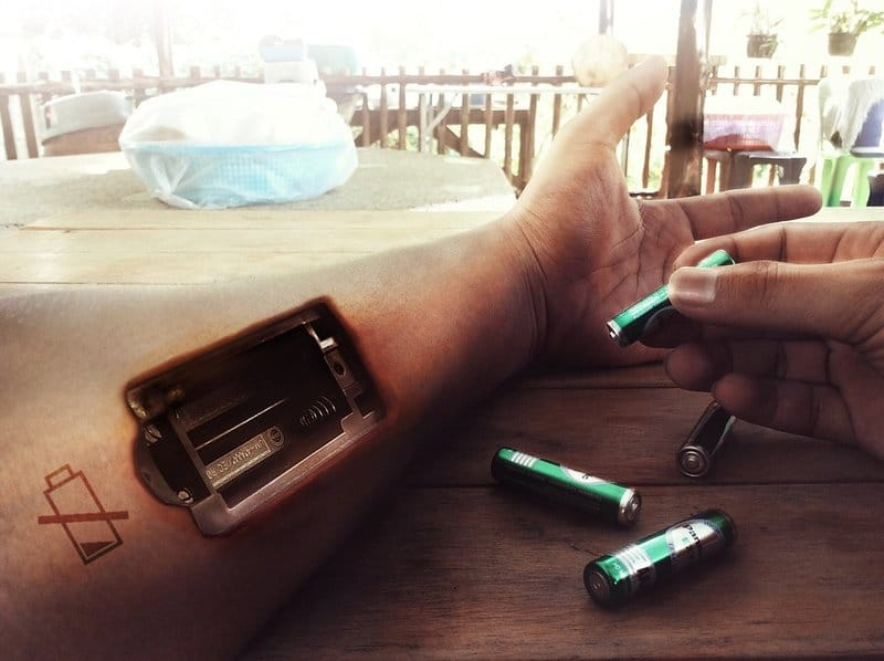 unavený člověk vybité baterky