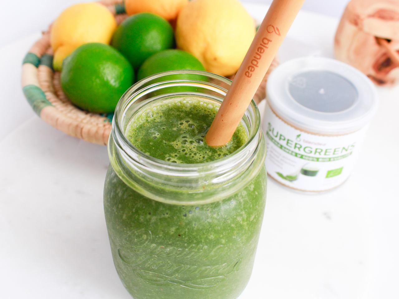 tropické ovocné smoothie